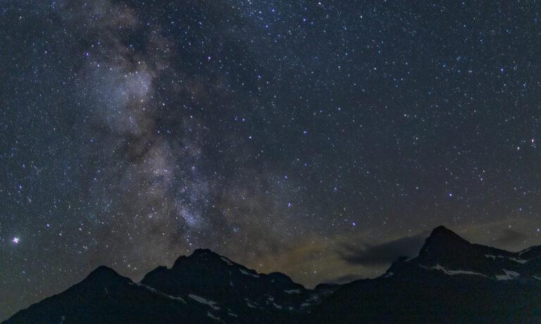 在Diablo Lake边的十二个小时 | 夏季山湖间的观星指南